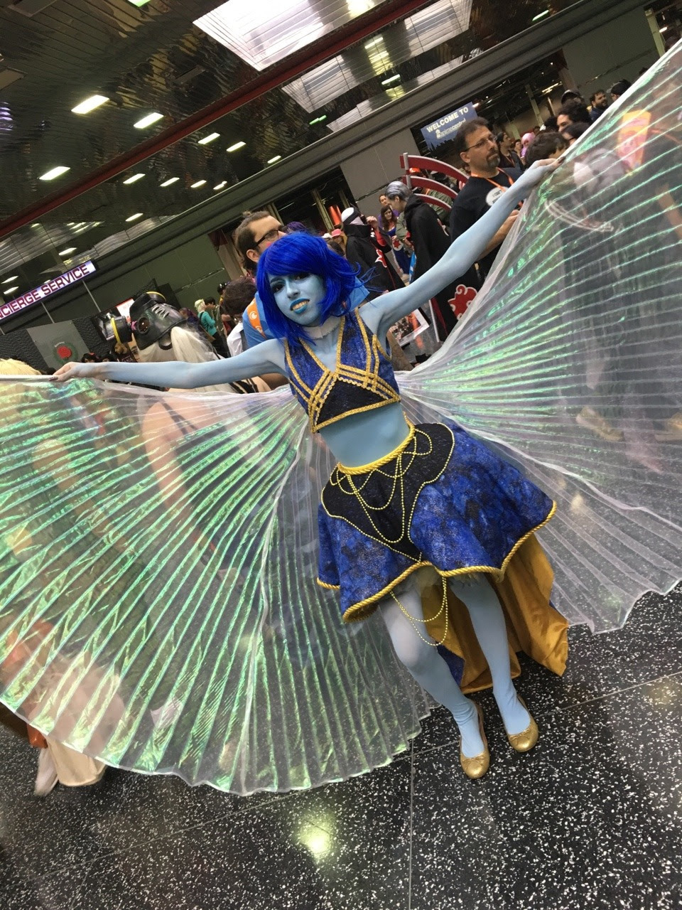 some photos i got of cosplayers during anime central!!!