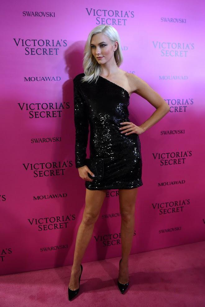 Mỹ nhân Tình người duyên ma chẳng ngại ngần đọ sắc nóng bỏng cùng dàn thiên thần Victorias Secret trên thảm hồng sau show - Ảnh 10.