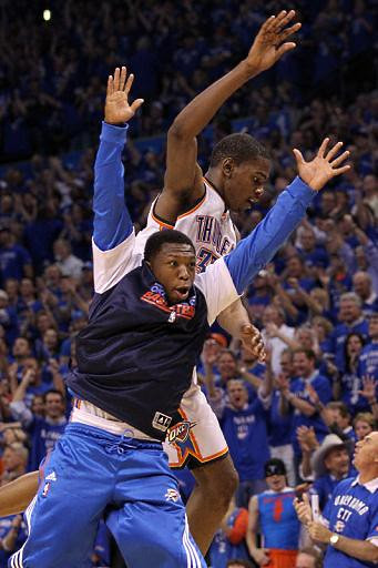 20110523-nate-robinson-kevin-durant