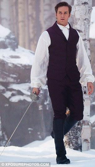 Em guarda: A cabeça príncipe e Branca de Neve para a floresta onde André está preparado para um confronto