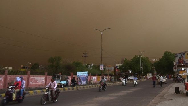 Deadly dust storms kill dozens in India