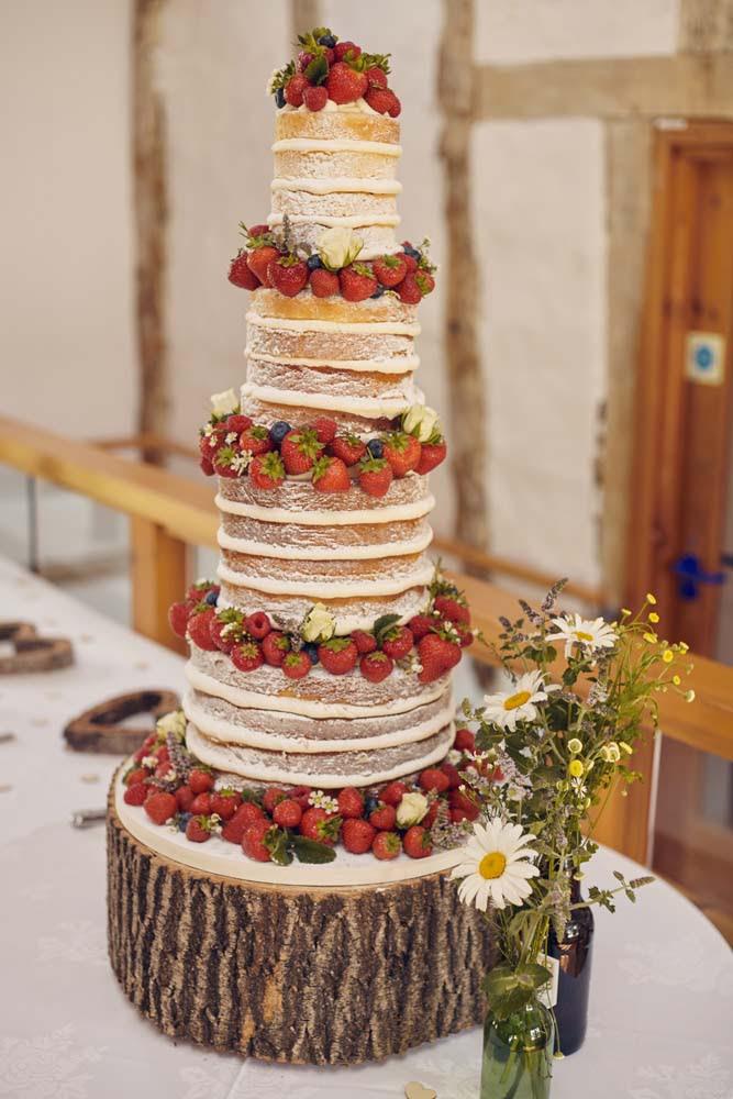 Tall English Country wedding cake - www.helloromance.co.uk