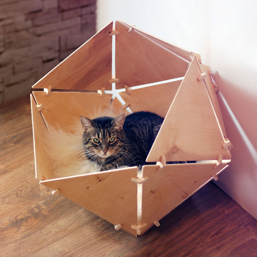 Catissa Geobed – wooden geometric cat house