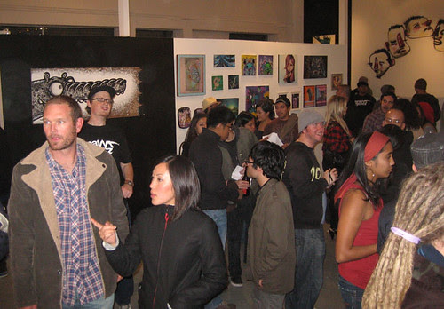 the crowd and the painting