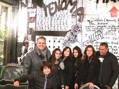 Paula Morais e Ronaldo passeiam em Paris Foto: Instagram / Reprodução
