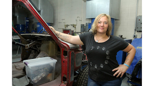 Highland student receives $5,000 Women in Auto Body scholarship