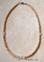 Stringed pearl necklace