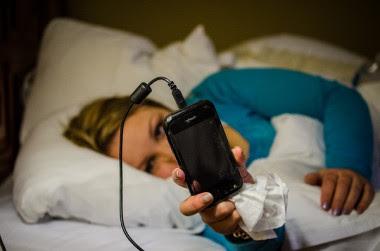 """<p>El uso del móvil es problemático cuando impide actividades como dormir. / <a href=""""https://flic.kr/p/dJn1mt"""" target=""""_blank"""">m01229</a></p>"""
