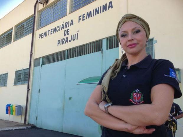 Olga é agente penitenciário (Foto: Ana Carolina Levorato/G1)