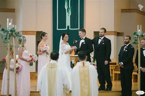 Emily   Tom   Milwaukee War Memorial Wedding Photography