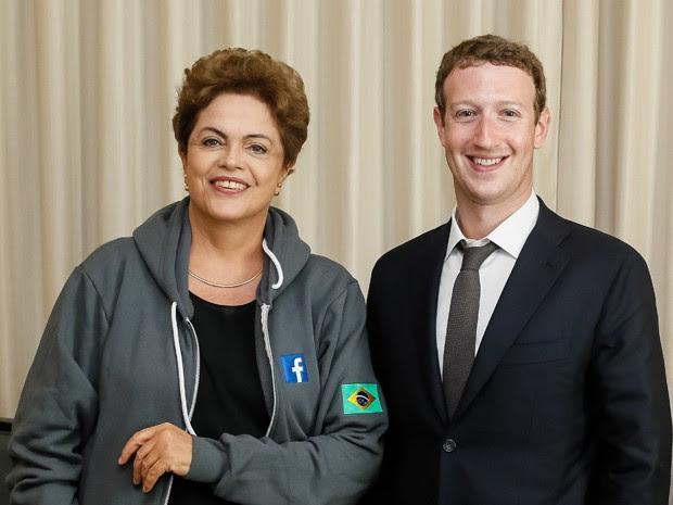 A presidente Dilma Rousseff e o criador do Facebook, Mark Zuckerberg, durante encontro no Panamá (Foto: Roberto Stuckert Filho/PR)