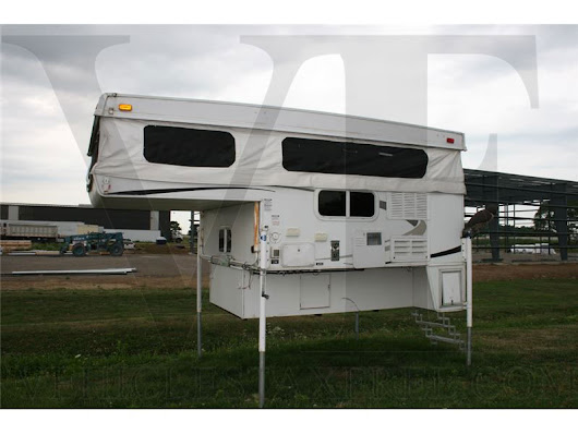 Pick Up Camper Palomino Bronco RV 2010