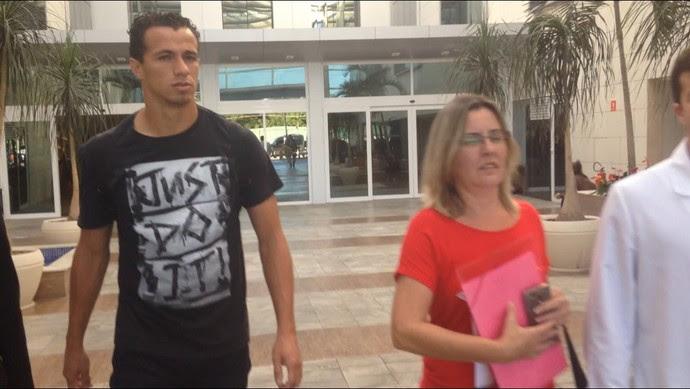 Leandro Damião foi submetido a exames nesta terça-feira (Foto: Matheus Palmieri/ Globoesporte.com)