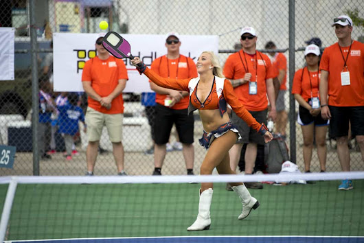 Best Pickleball Paddle Reviews & Buyer's Guide (2019)