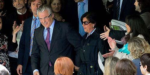 La mujer de Garzón ingresó 300.000 euros un mes después de que el juez llegara a EEUU