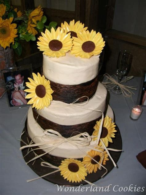 17 Best images about sunflower cake on Pinterest   Autumn