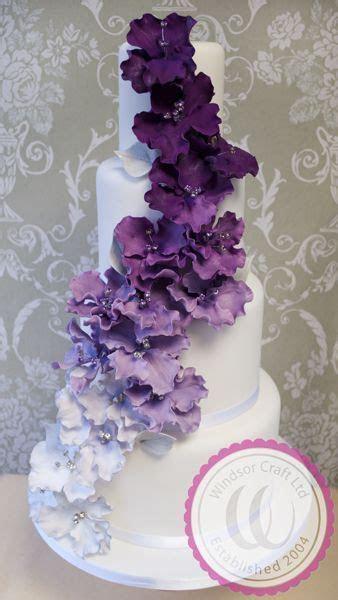 Best 25  Purple wedding cakes ideas on Pinterest   Pastel