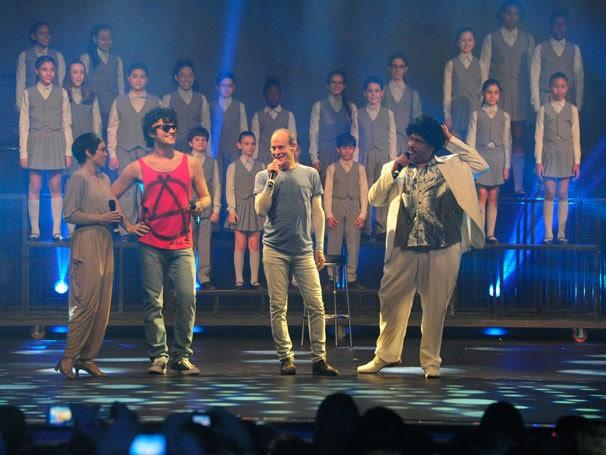 """Ney Matogrosso interpretou """"Canção da América"""" ao lado de Emílio Dantas, Tiago Abravanel e Laila Garin (Foto: Globo/Estevam Avelar)"""