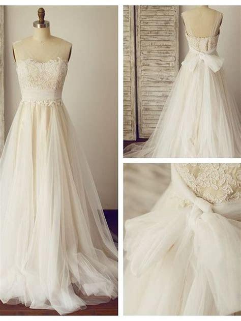 Fashion Sexy Open Back French Lace Wedding Dress · Sancta
