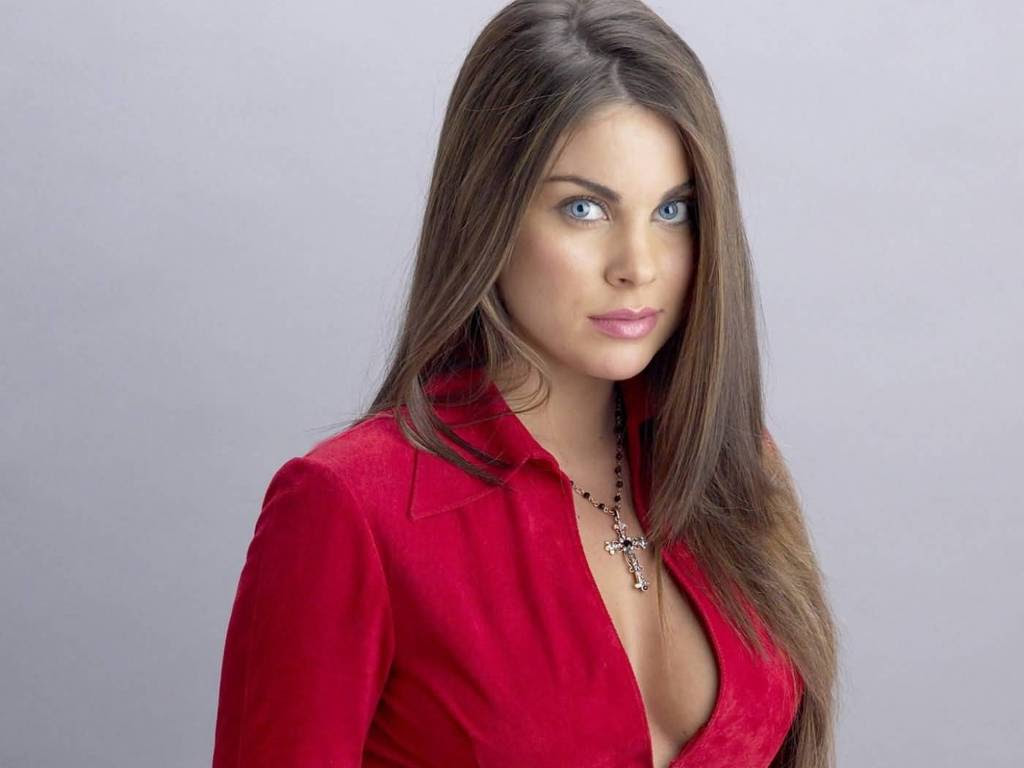 Nadia Bjorlin - Sexy Photo Collections - Sexy Actress Pictures | Hot Actress Pictures