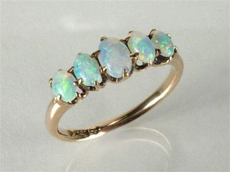 Antique Opal Ring   10K Gold   My mom, Grandmothers and Bijoux
