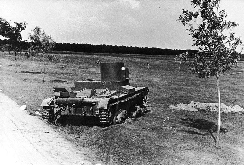 File:Operation Barbarossa - broken tank.jpg
