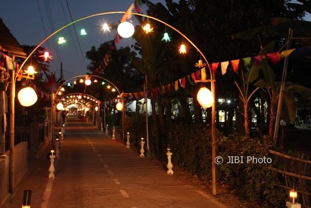 354+ Foto Desain Lampu Hias Jalan Kampung Kekinian