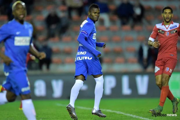 Samatta Mbwana Ally forward of Krc Genk looks behind him during the Jupiler Pro League match between Royal Mouscron Peruwelz and KRC Genk in the Le Canonnier Stadium in Mouscron, Belgium. *** MOUSCRON, BELGIUM - 06/02/2016  Photo by Nico Vereecken / Photonews ***
