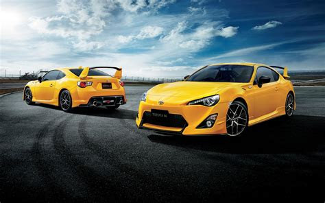 japan  toyota  yellow limited edition revealed