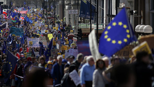 Remainers march days before Brexit triggered