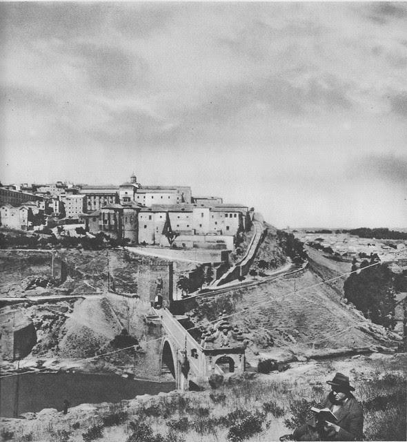 Puente de Alcántara hacia 1925. Fotograbado de Friedrich Christiansen