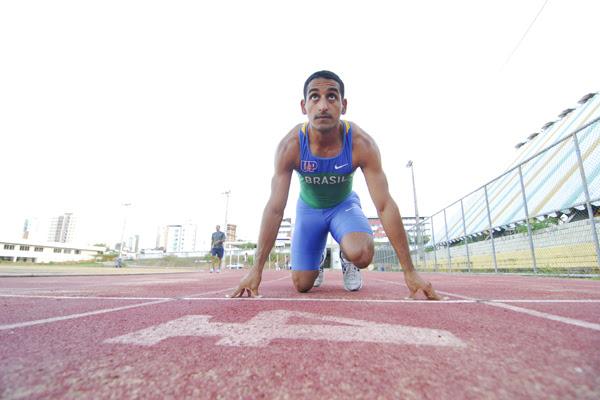 Diego Cavalcanti, atleta potiguar, atinge o índice nos 200 metros e fica perto das olimpíadas.