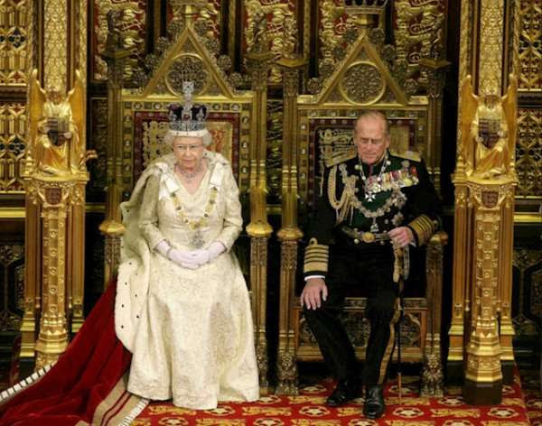Английская королева – главный паразит планеты