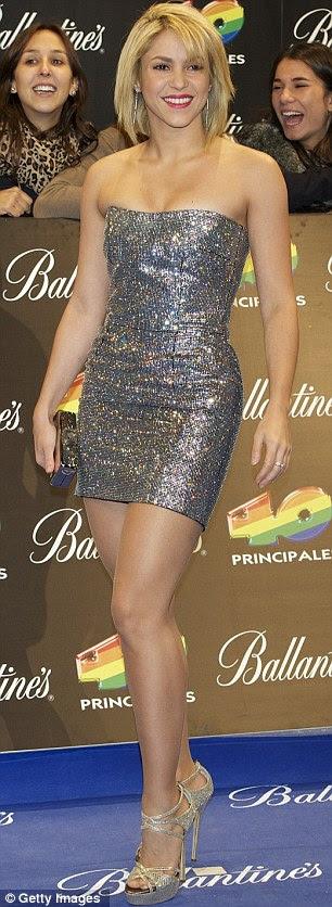 Fazendo a sua entrada: Jessie J e Shakira trabalhou parece muito diferente à medida que apareceu para o Prêmio Principales 40 no Palacio de los Deportes, em Madrid ontem à noite