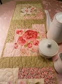 Table Runner Roses, Paisley