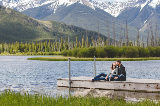 Banff Mountain Engagement | Carly & Eric | Vermilion Lakes