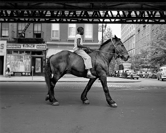 The Nearly Lost 1950s Street Photos of NYC And Chicago by Vivian Maier Were Discovered Only After Her Death