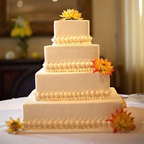 Simple, Chic Wedding Cakes We Love   BridalGuide