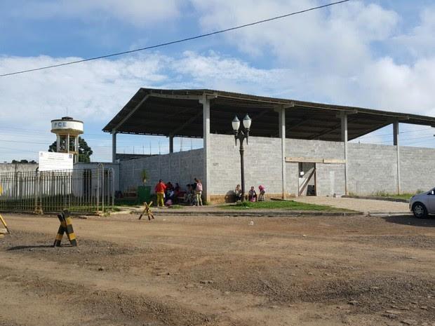 Grupo explodiu um dos muros da Penitenciária Estadual de Piraquara, na Região Metropolitana de Curitiba (Foto: Everson Moreira/ RPC Curitiba)