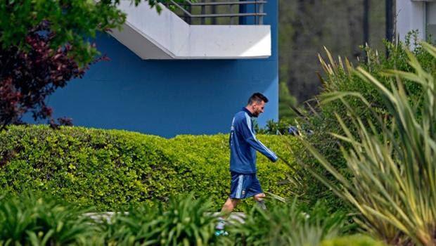Messi nel centro sportivo di Ezeiza. Afp