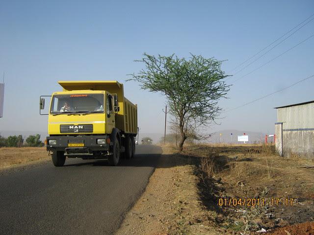See the flags on the right - that's Dajikaka Gadgil Developers' Anant Srishti at Kanhe, near Talegaon, Pune