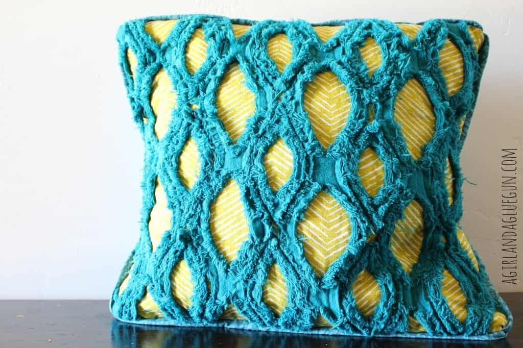 faux chenillle pillow diy