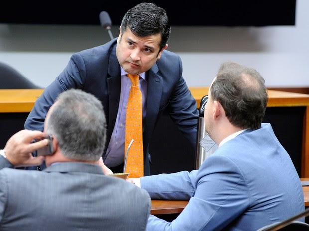 Deputado Eduardo da Fonte (PP-PE) se reúne com aliados na Câmara (Foto: Alex Ferreira/Câmara dos Deputados)