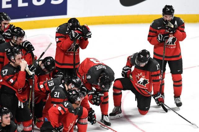 Équipe Canada junior s'est inclinée devant les États-Unis... (PHOTO BERNARD BRAULT, ARCHIVES LA PRESSE)