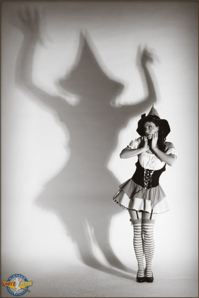 Pinupskellywitch1158_large