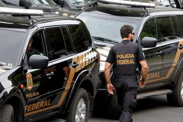 Blogueiro e deputado são alvos de operação da Polícia Federal