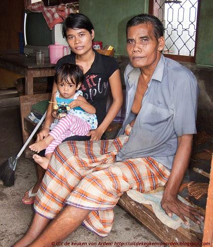 Bali 2010 - Sinta met haar vader en dochtertje Ocilia