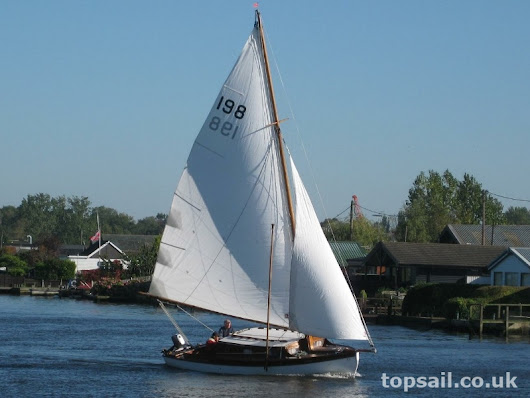 Woods Gay Lady Class River Cruiser for sale - Topsail Marine Yacht Brokers (1904)