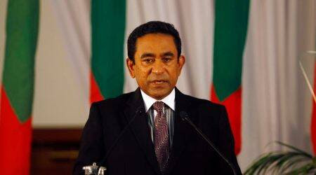 Maldives crisis: President Gayoom says he's willing to hold earlyelection