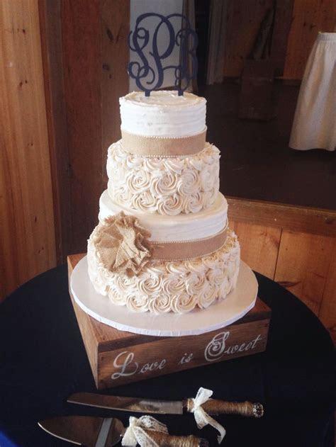 Best 20  Romantic Wedding Cakes ideas on Pinterest   Pink